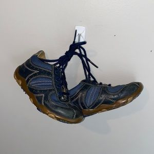 Geox boys size 7 shoes brown and blue with laces